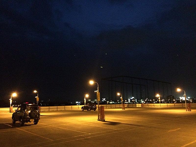 御殿場インター付近の御殿場プレミアム・アウトレット駐車場
